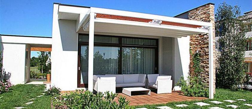 Rent Villas with Pool facing the sea in Caorle