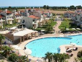 Apartments with pool for rent in Caorle
